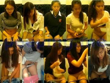 Singapore female toilet 1 シンガポールの女の子たち