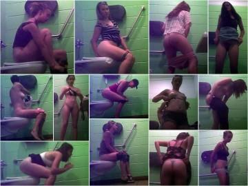 USA BeachCabin Toilet SpyCam