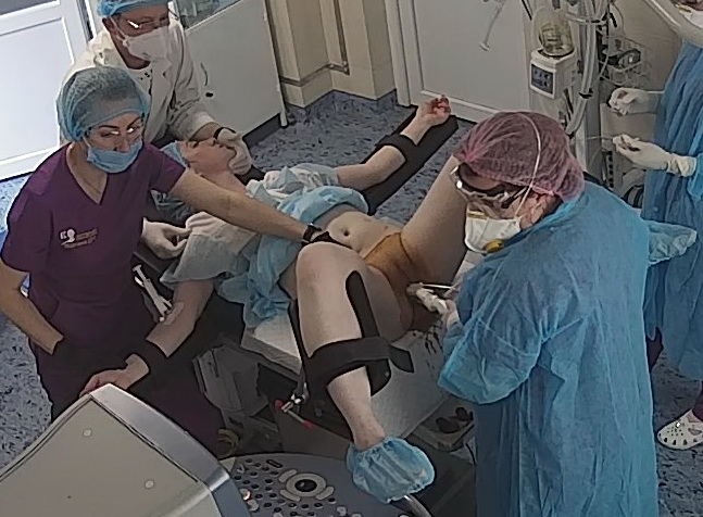 Real_hidden_camera_in_gynecological_cabinet_10a